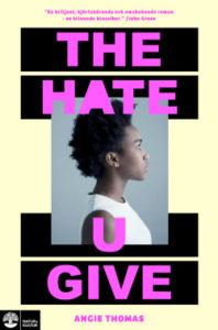 Länk till lärarhandledning för Angie Thomas The hate U give. Öppnas i samma flik.